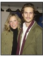 """Oliver Hudson and Erin Bartlett at the """"Miracle"""" premiere"""