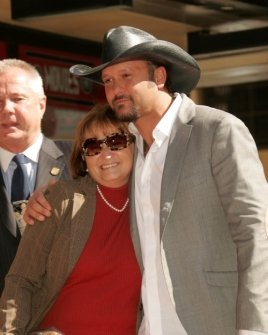 Tim McGraw and his mother