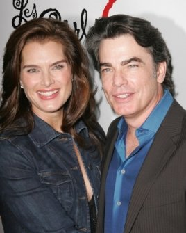 Brooke Shields and Peter Gallagher