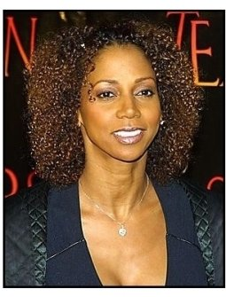 """ONE TIME USE ONLY """"Tears of the Sun"""" Premiere Photo: Holly Robinson Peete"""