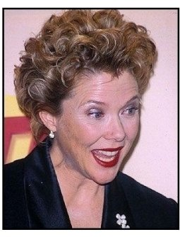 Annette Bening backstage at the 2000 SAG Screen Actors Guild Awards