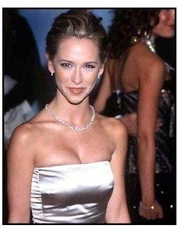Jennifer Love Hewitt at the 2000 Carousel of Hope