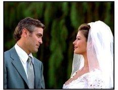 Intolerable Cruelty - movie still: George Clooney and Catherine Zeta-Jones in Intolerable Cruelty