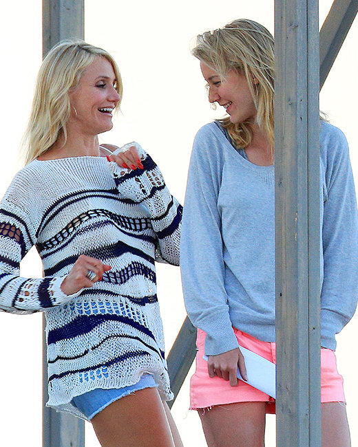 Cameron Diaz marches over to her body double