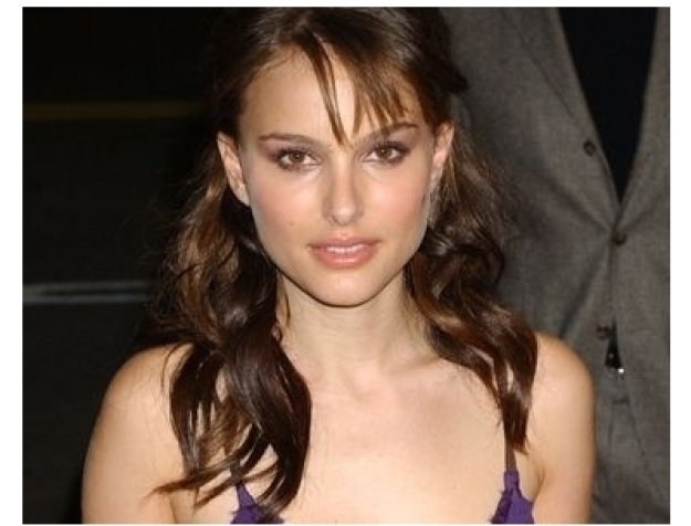 Natalie Portman at the Closer premiere