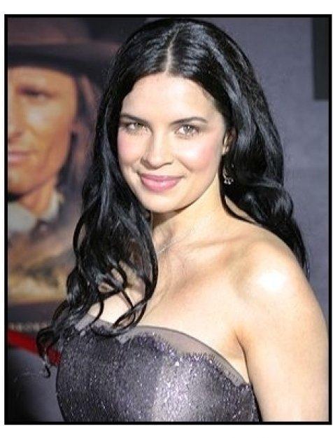 "Zuleikha Robinson at the ""Hidalgo"" Premiere"