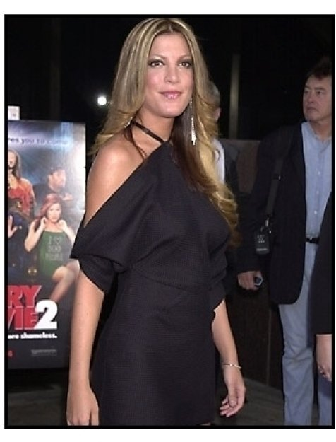 Tori Spelling at the Scary Movie 2 premiere